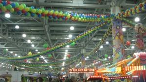 шарики с гелием дизайн залов арки гирлянды и композиции из шаров